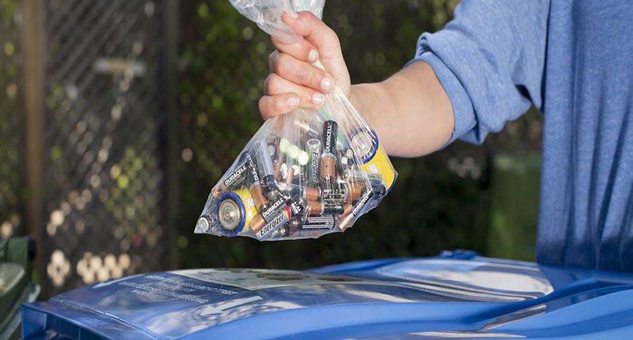 Como fazer o descarte de pilhas e baterias