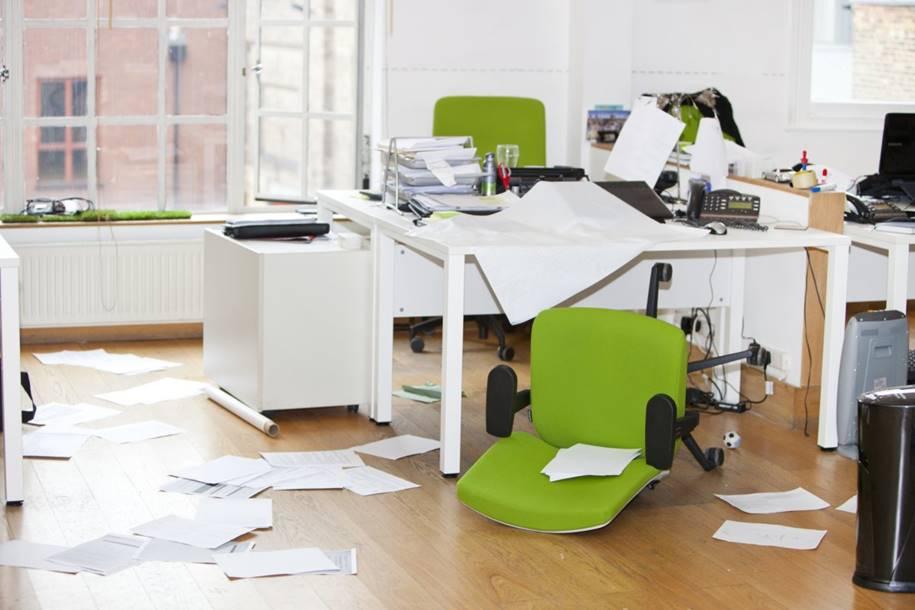 Como Manter a Empresa Sempre Limpa - Eduque os Funcionários